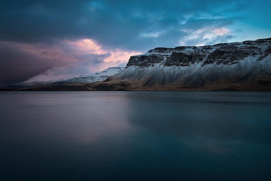 Fjord Hvalfjörður w Islandii