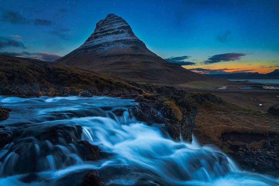 Zmierzch nad Kirkjuffel, Islandia