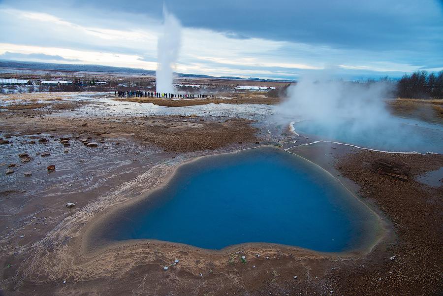 Gorące źródło Blesi i gejzer Strokkur, Islandia