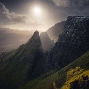 The light breaking through rocky ridges of Dun Dubh