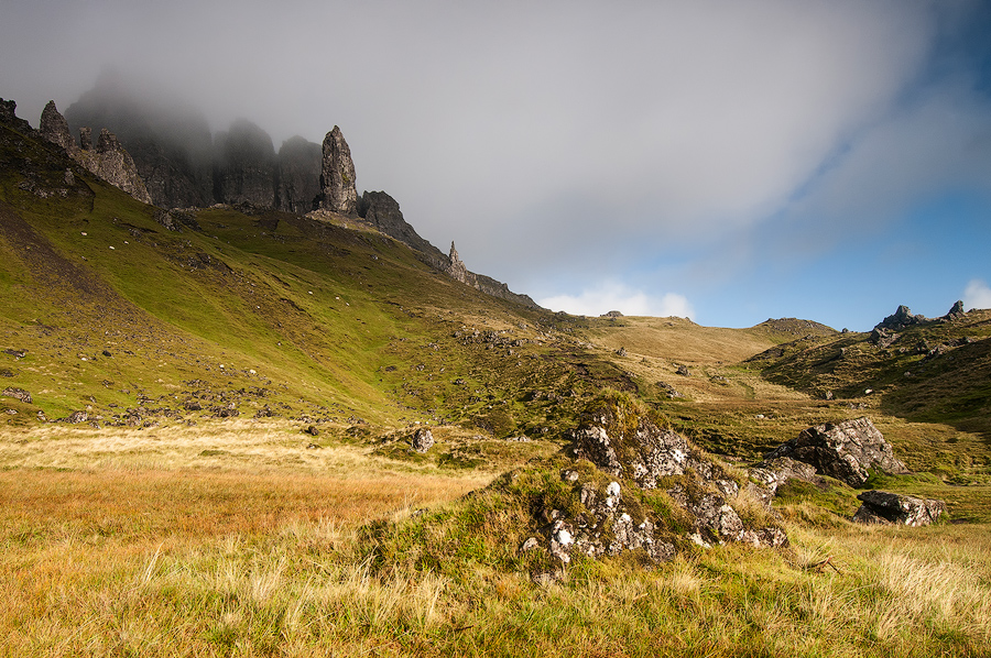 Old Man of Storr w mglisty poranek
