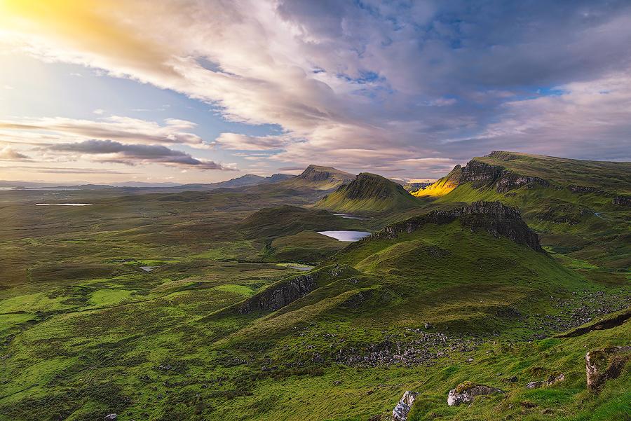 Wzgórze Cnoc a' Mheirlich przypomina grzbiet wielkiego dinozaura
