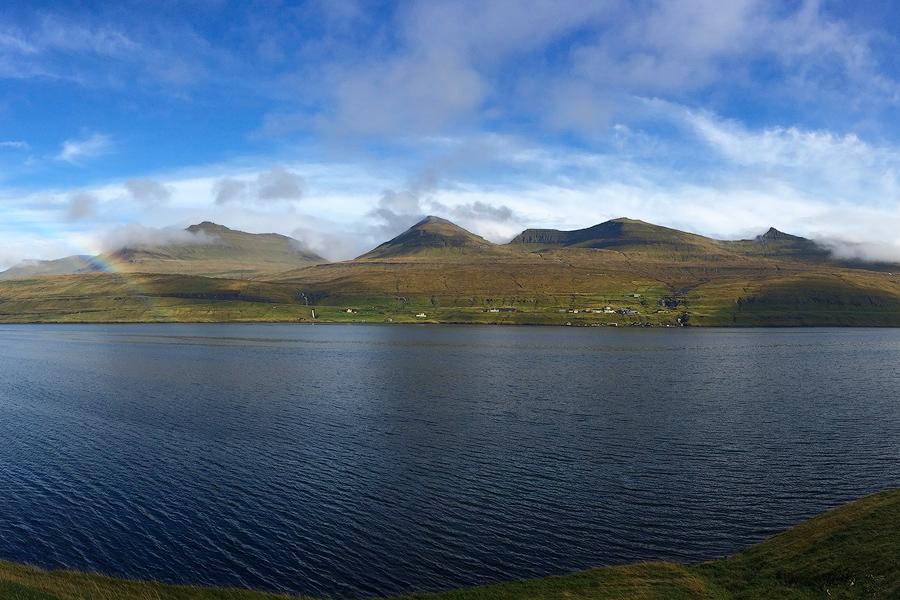 Panorama najwyższych gór Wysp Owczych