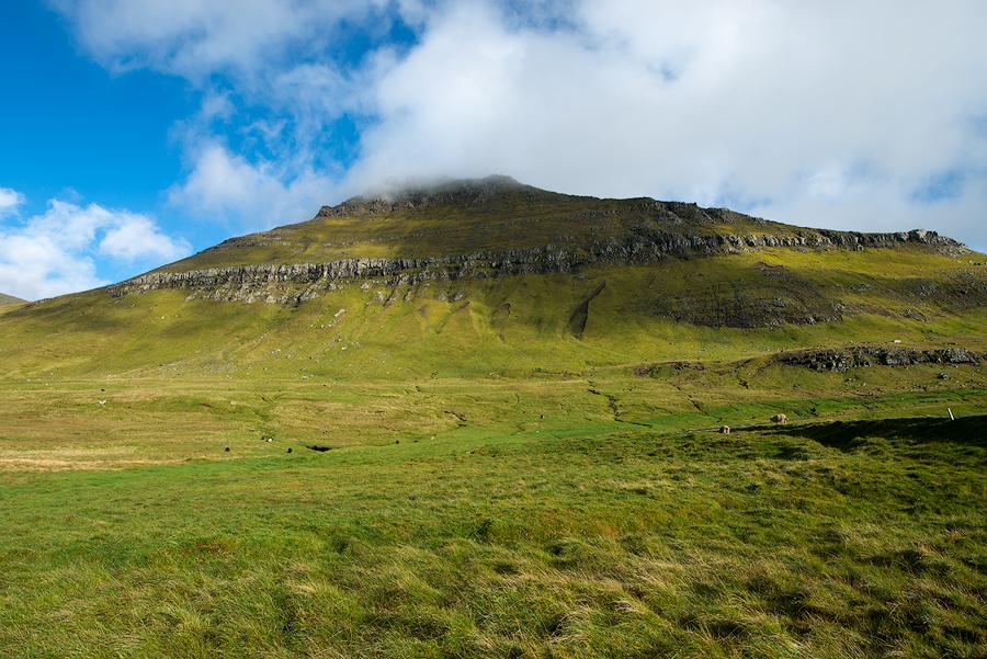 Widok na Slattaratindur od strony północnej